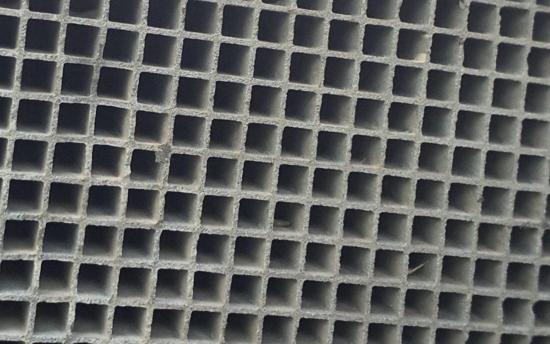 Die effektive Lösung für die Reinigung von stark anorganisch (z.B. Calcium- und Eisenverbindungen) beladenen CRT-Filtern, die sich mit Hilfe eines getrennten NOX-Katalysators regenerieren.